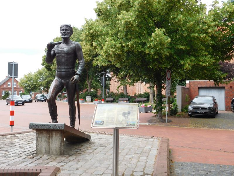 Störtebeker Denkmal in Marienhafe