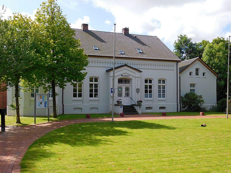 Das Rathaus in Dornum