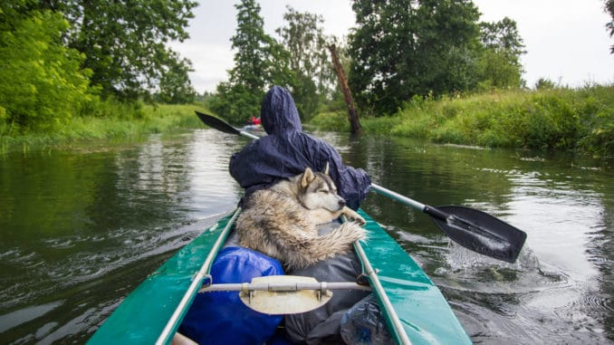 Wasserwandern mit Kanu und Zelt
