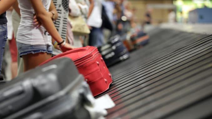 Gepäck am Flughafenband